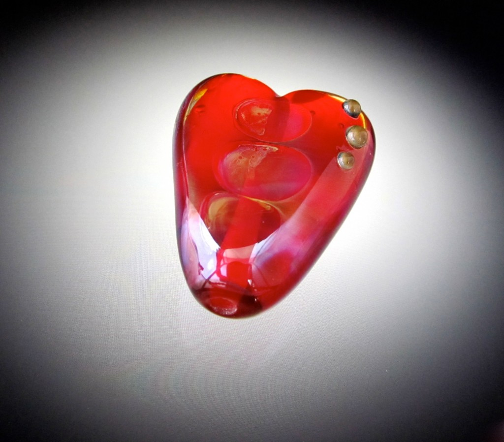 photo of heart bead
